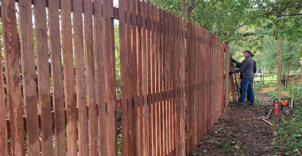 A fence being installed in the Lincolnshire Wolds